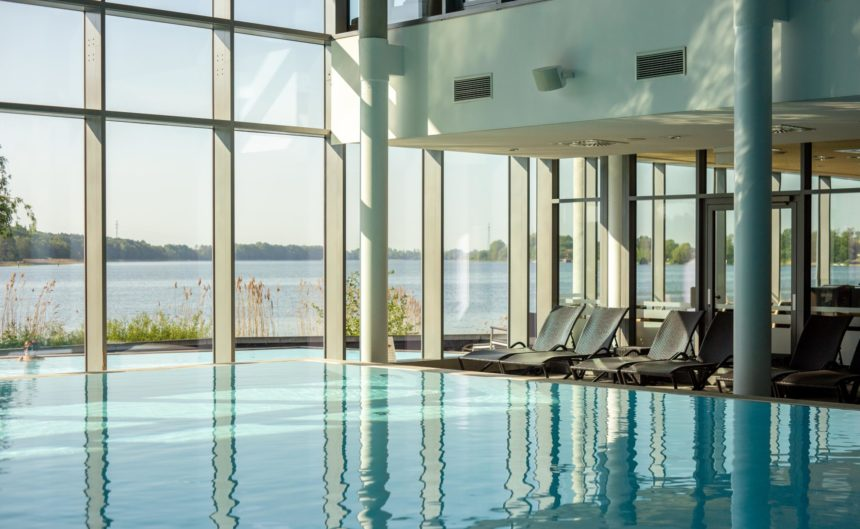 Poollandschaft in der Therme Neuruppin