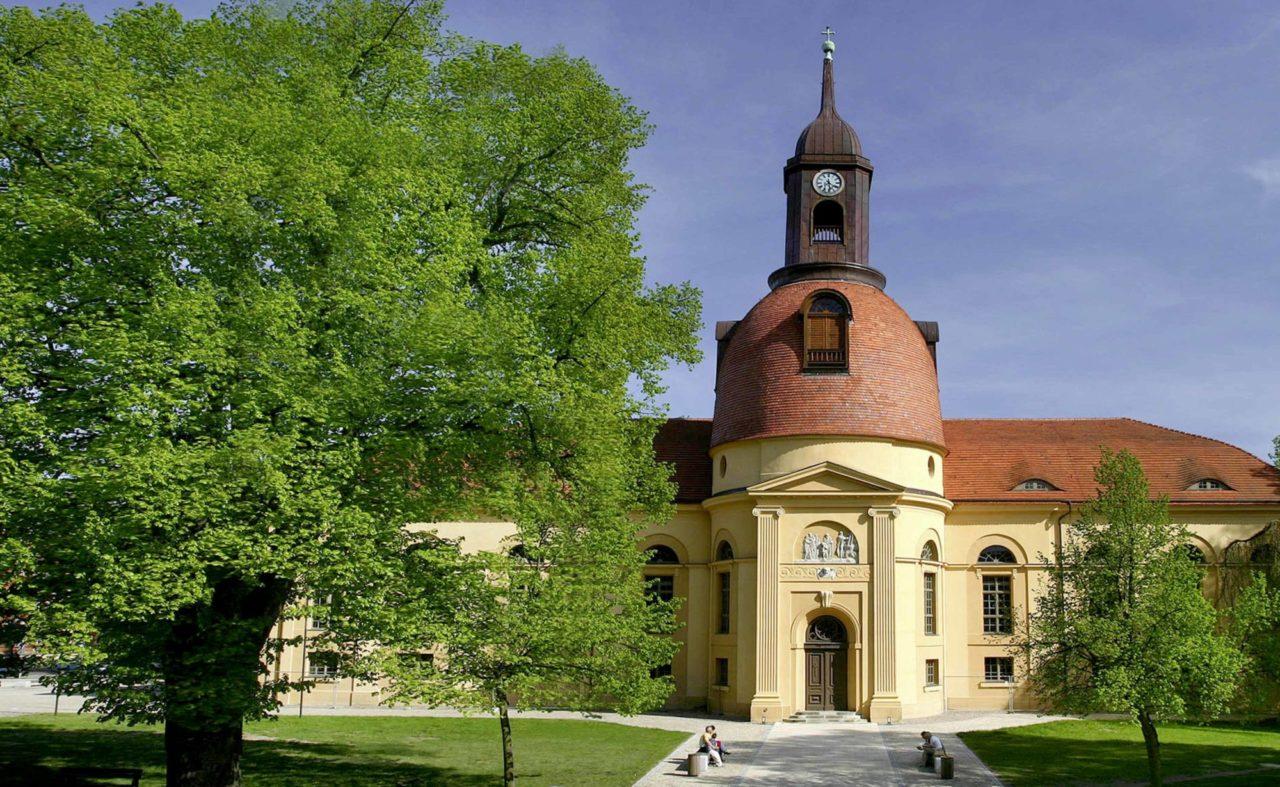 Außenansicht der Kulturkirche - Räumlichkeiten für Tagungen und Meetings