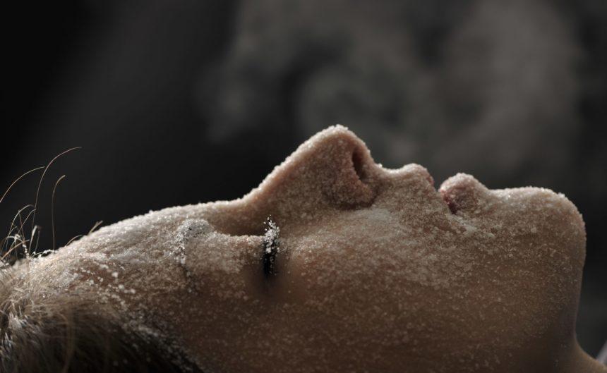 Gesichtspeeling mit Heilsalz in der Therme Neuruppin