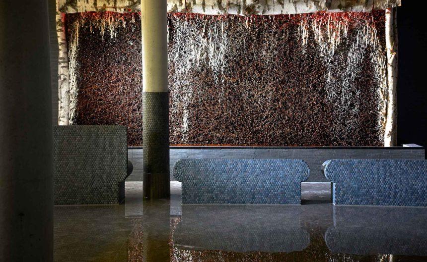 Thermalsole mit schönem Mosaik verziert in der Therme Brandenburg